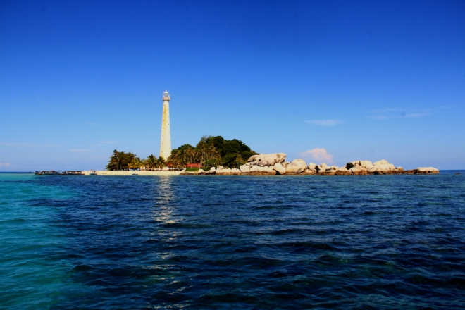 Lengkuas Island and its lighthouse (Photo source: GIV/MB)
