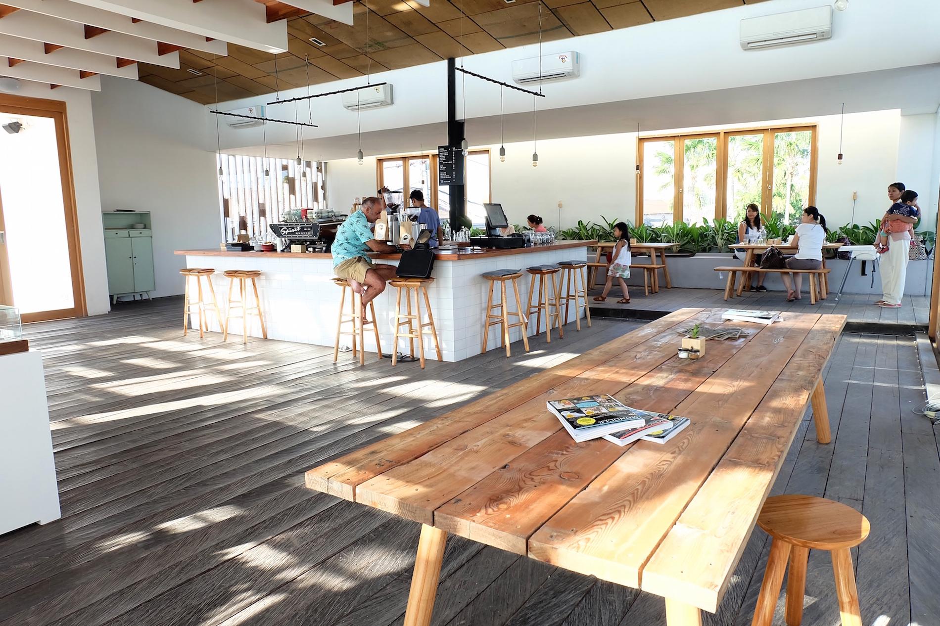 Livingstone Cafe Bakery Popular Establishment In Seminyak Bali